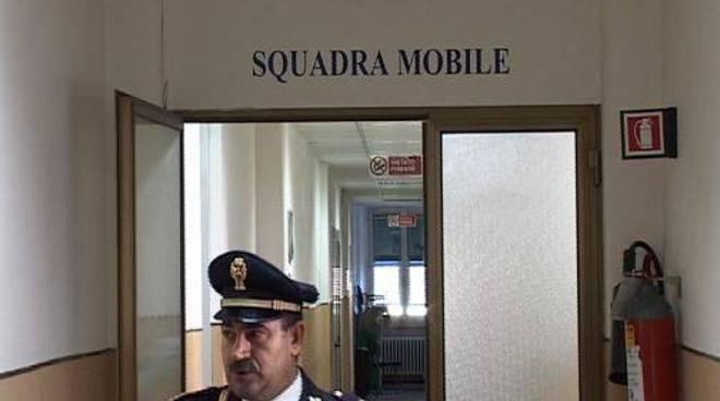 Genova, picchia e rapina anziana in casa: denunciato minorenne