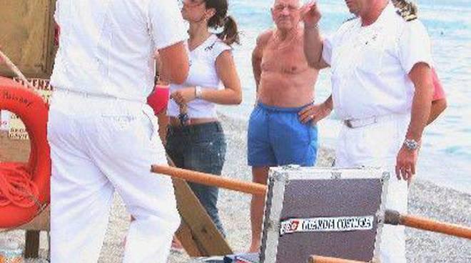 Capitaneria - guardia costiera in spiaggia