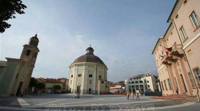 Loano - Piazza comune