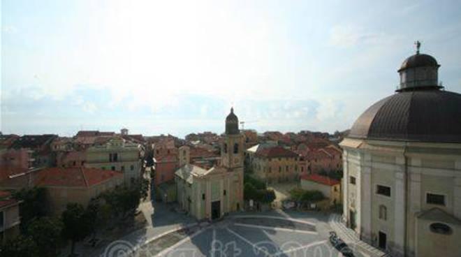 Loano - Piazza comune alto