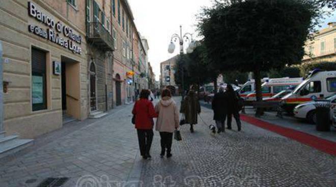 Pietra Ligure - nuovo look piazza San Nicolò