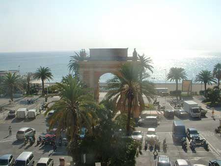 Finale Ligure - piazza dei cannoni - arco