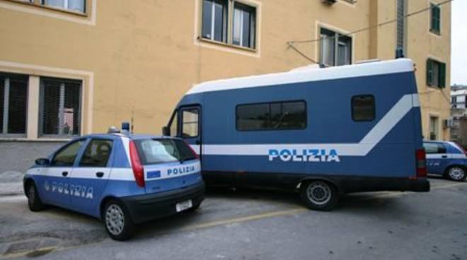 Polizia mezzi