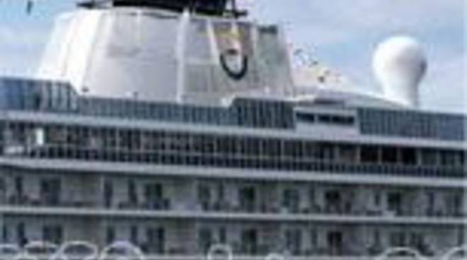 Crociera nave traghetto