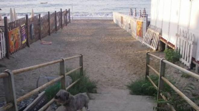 Spiaggia libera quartiere Fornaci Savona