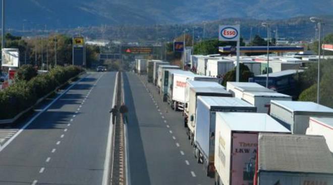 Sciopero autotrasporti: blocco dei Tir