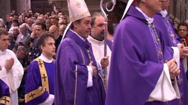 Lupi in cattedrale