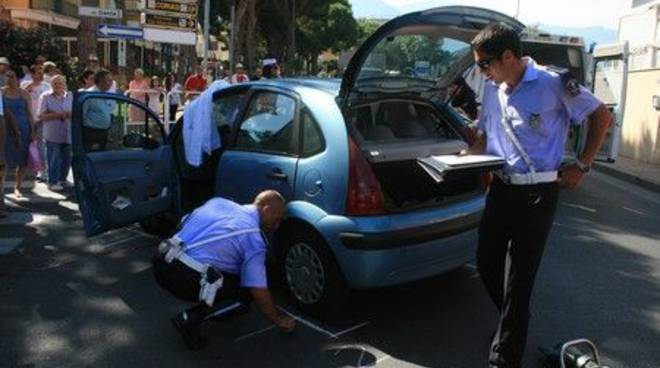 Vigili urbani rilievi incidente