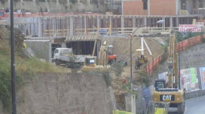 Rischio crollo in via Chiavella: cantiere