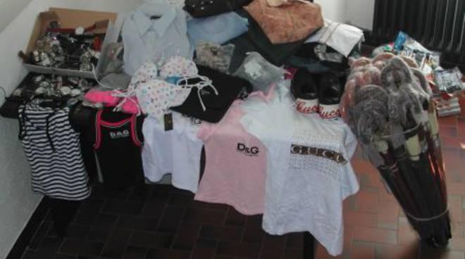 Finale, merce contraffatta: sequestrati orologi e capi d'abbigliamento