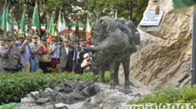 Albenga, due giorni dedicati agli alpini: inaugurata statua
