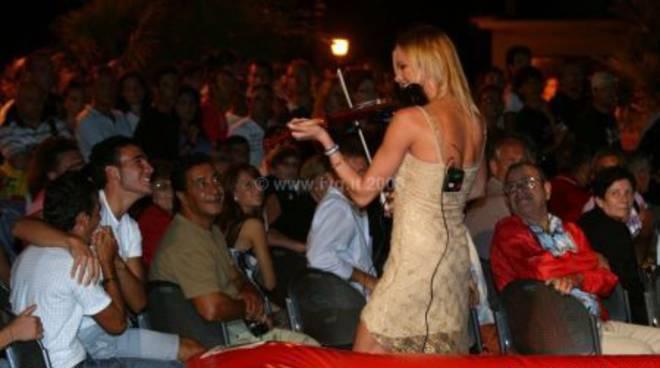 Miss Maglietta Bagnata 20083