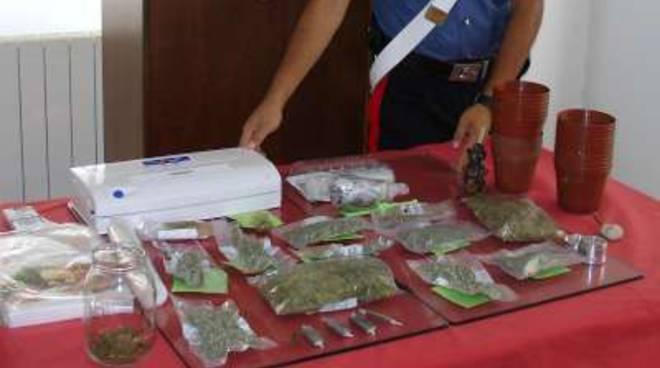 Pietra, sorpreso con hashish e marijuana: incensurato in manette