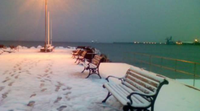 Albisola - neve in spiaggia