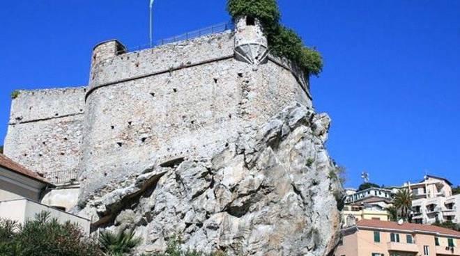 Pietra Ligure, Castello