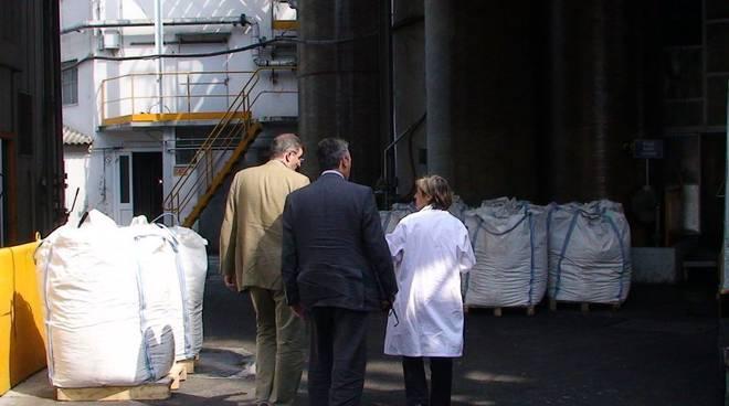 Albenga- Burlando visita la fabbrica Testa