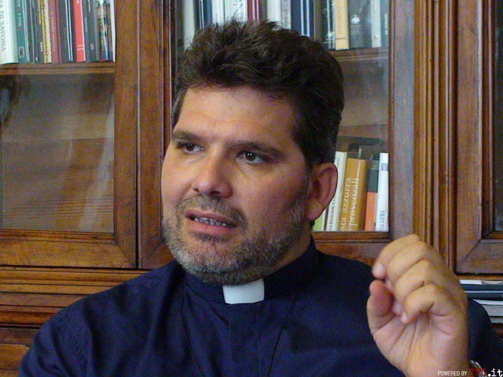 don Adolfo Macchioli (direttore Caritas)