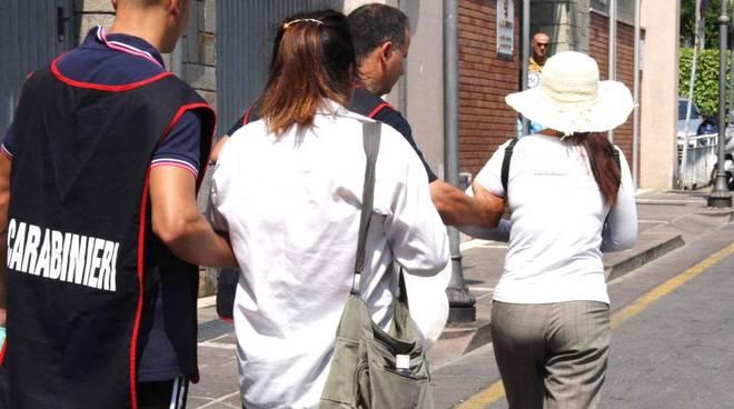 Massaggiatori abusivi, blitz dei carabinieri: cinque denunce