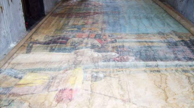 Albenga, ritrovato l'antico sipario del vecchio Teatro Civico