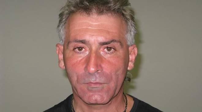 Savona, deteneva stupefacenti e una pistola: arrestato