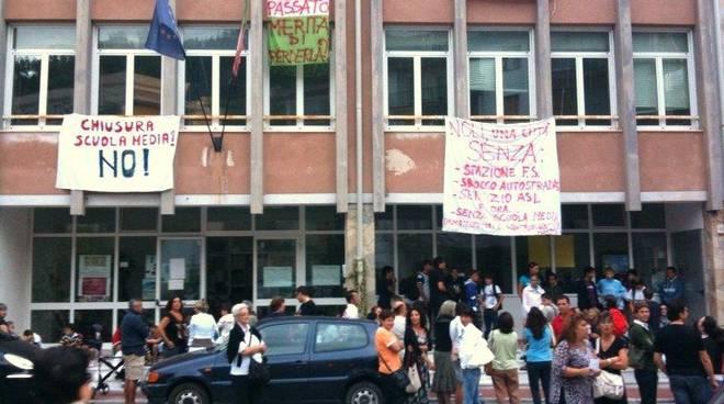Protesta scuola Noli