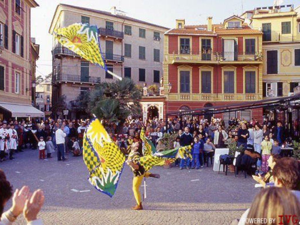 Celle Borgo in festa sbandieratori