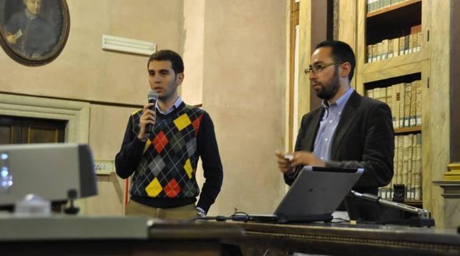 """convegno """"Giornali online e social network""""-Marco Di Maio (Pres.ANSO) e blogger Luca Conti"""