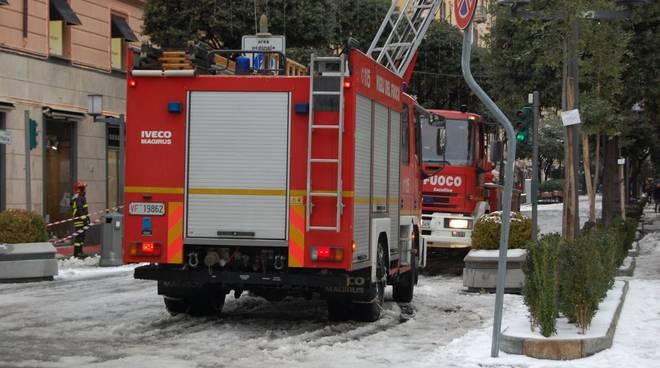 Neve a Savona vigili fuoco