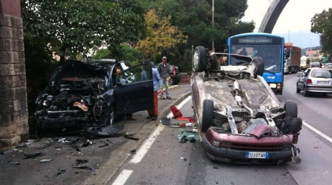 incidente stradale pietra ligure