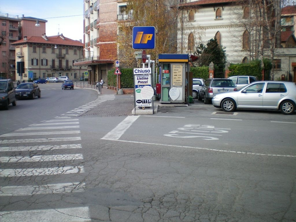 Millesimo- distributore benzina via garibaldi