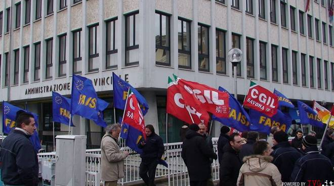 Savona - sciopero acts davanti alla Provincia