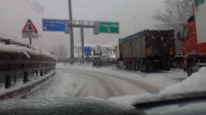 A6 chiusa per neve