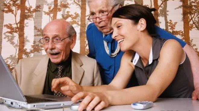 Anziani al computer - accessibilita siti