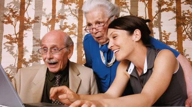 Anziani al computer ok