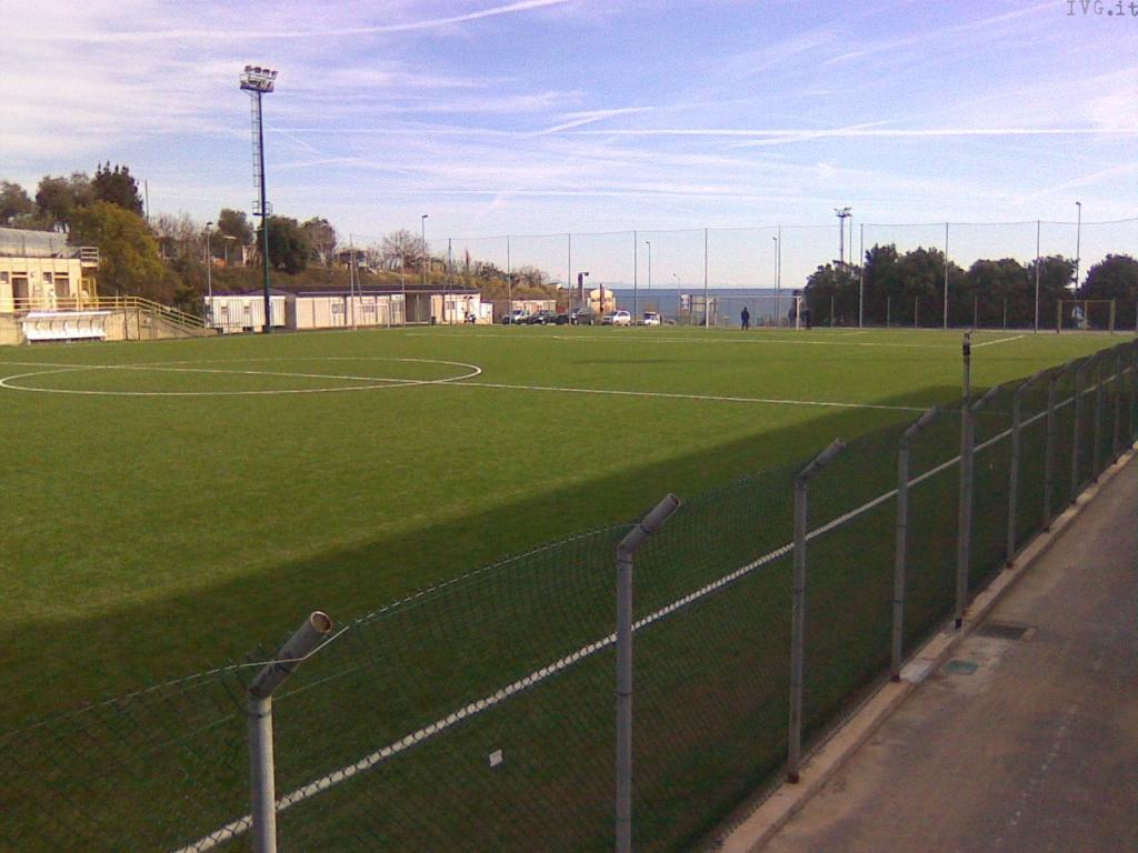 Campo calcio Ruffinengo Legino