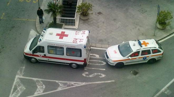 Ambulanza Croce Rossa e Sierra 1