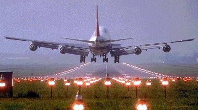 Aereo in atterraggio