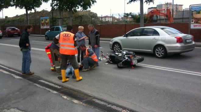 incidente auto-moto via stalingrado - Savona