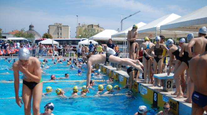 meeting loano nuoto