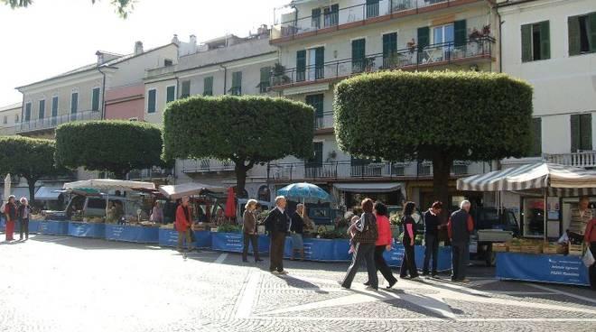 mercatino ortofrutticolo Pietra Ligure