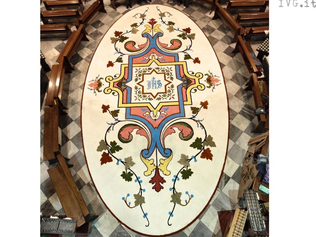 Pietra - infiorata basilica di San Nicolò