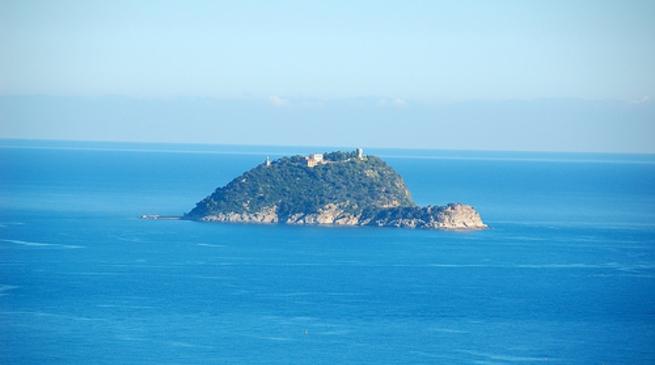 Liguria, Isola Gallinara venduta a magnate ucraino a 10 milioni