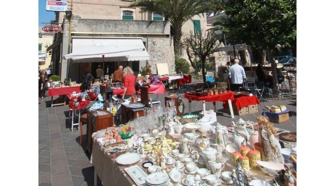 mercatino antiquariato - Pietra