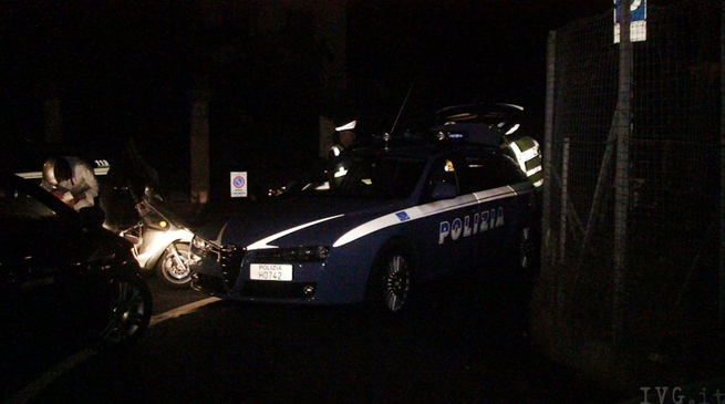 Polizia notte controlli