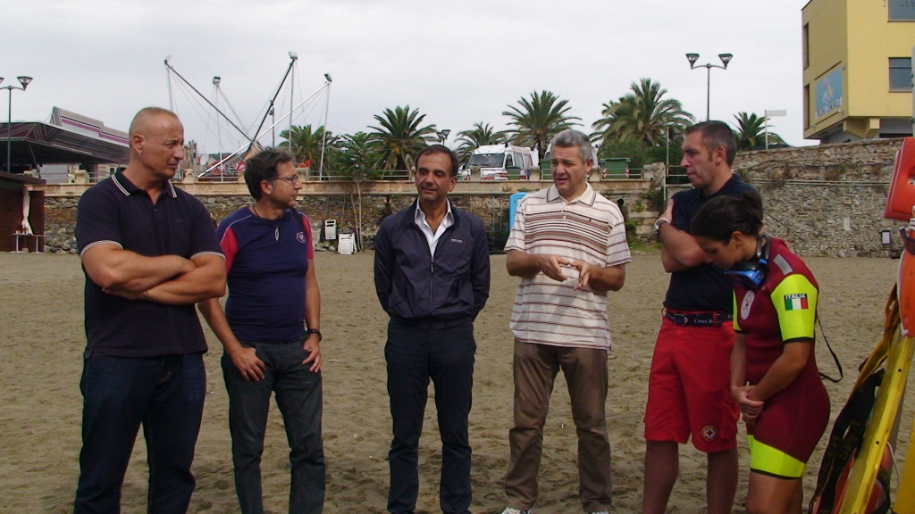 Savona, incontro spiaggia ferragosto