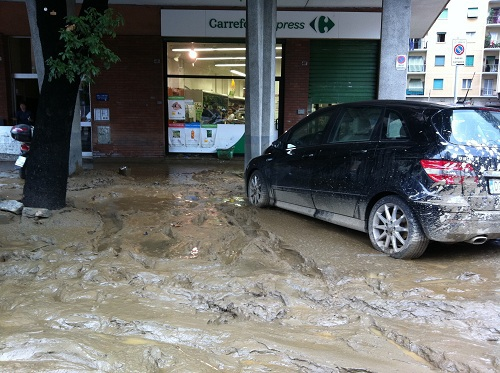 fango in strada