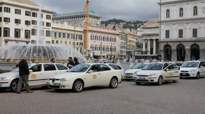 taxi posteggiati