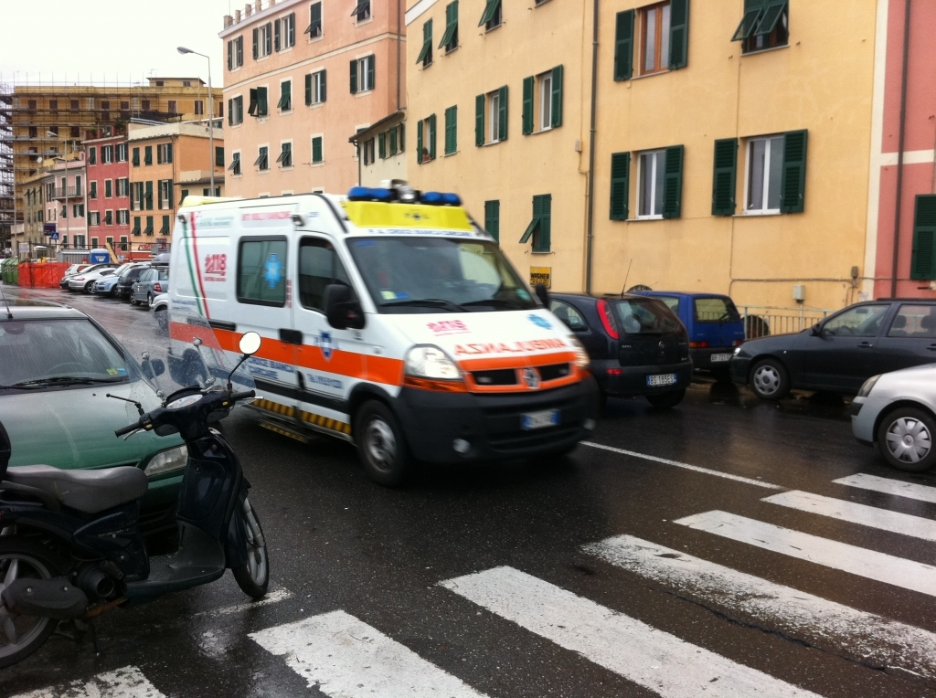 ambulanza genova