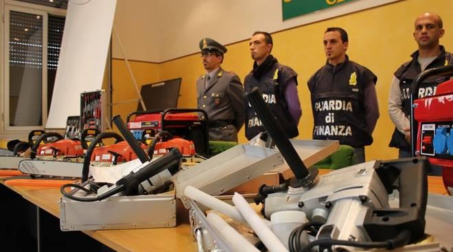 Genova - sequestro macchinari modificati