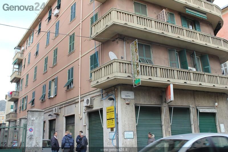 Genova - sestri ponente edificio via Giotto. Visita Burlando